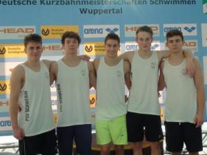 von links: Andreas Kuhlmann, Lars Andre Großmann (Kl. 12S), Christian Wichette (Kl. 13S), Benjamin Bürger (Kl. 11b), Lars-Christian Rehse (Kl. 11b)