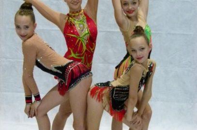 Junge Sportgymnastinnen bei Turnier in Salzburg